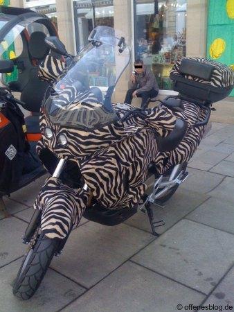Motorrad im Tigerpelz