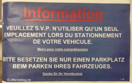 Bitte besetzen Sie nur einen Parkplatz beim Parken Ihres Fahrzeuges