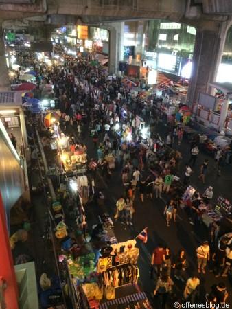 Bangkok - Shutdown 2014 - Einkaufsstraßen in der Nacht