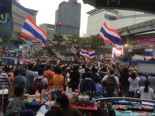 Bangkok - Shutdown 2014 Thailand Fahnen