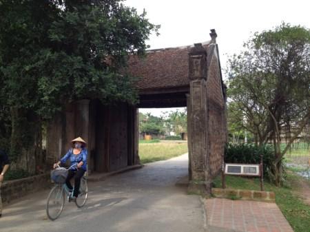 Eingang nach Duong Lam: Das Tor in die Vergangenheit