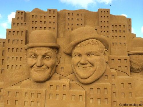 Sandskulpturen Laurel und Hardy