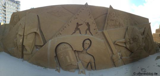 Sandskulpturen R2-D2 und C-3PO
