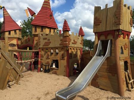 Spielplatz Ritterburg Küche