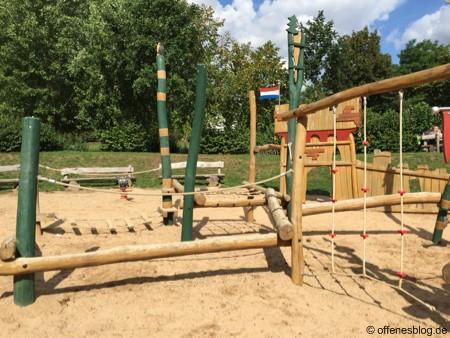 Spielplatz Ritterburg Klettern