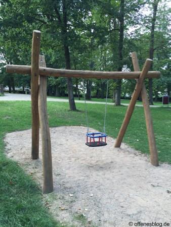 Themenspielplatz Bauernhof Babyschaukel