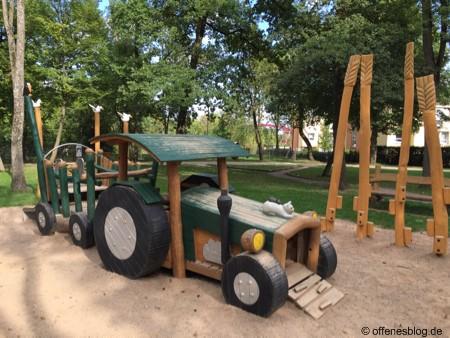 Themenspielplatz Traktor